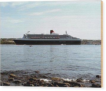 Queen Mary 2 Halifax 2004 Wood Print