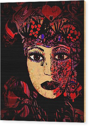 Queen Of Hearts Wood Print by Natalie Holland