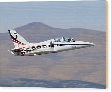 R2d2 Flies At The Reno Air Races Wood Print