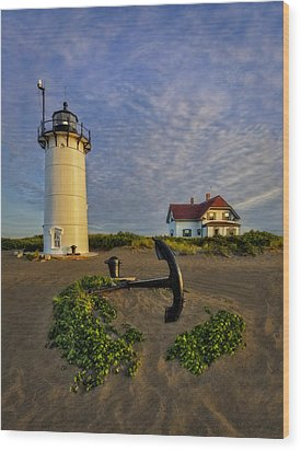 Race Point Lighthouse Wood Print by Susan Candelario