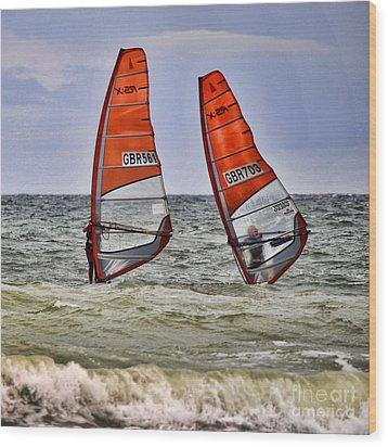 Race To The Beach Wood Print