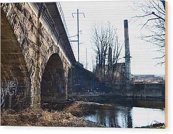 Rail Road Bridge Over The Brandywine Creek Downingtown Pa Wood Print by Bill Cannon