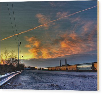 Railroad At Dawn Wood Print by Tim Buisman