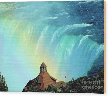 Wood Print featuring the photograph Rainbow Over Horseshoe Falls by Janette Boyd