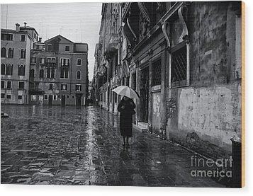 Rainy Day In Venice Wood Print by Design Remix