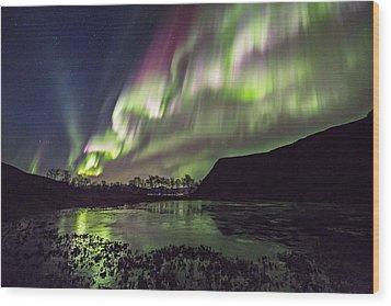 Rapid Auroras Wood Print
