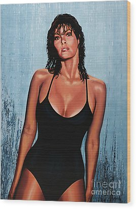 Raquel Welch Wood Print by Paul Meijering
