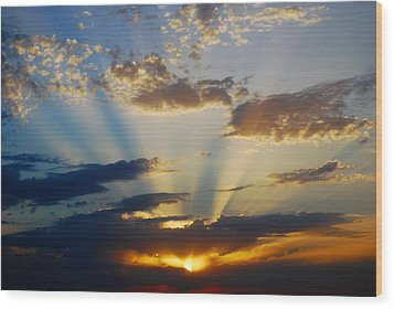 Rays At Sunset Wood Print by Dorothy Berry-Lound