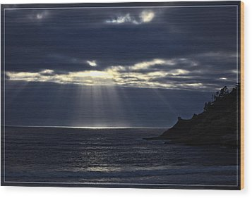 Rays Of Hope At Cape Kiwanda Oregon Wood Print