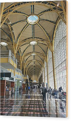 Wood Print featuring the photograph Reagan National Airport by Suzanne Stout