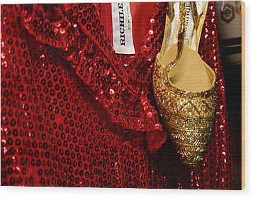 Red And Gold Holiday Wood Print by Toni Hopper