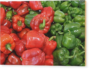 Red And Green  Peppers Union Square Farmers Market Wood Print by Diane Lent