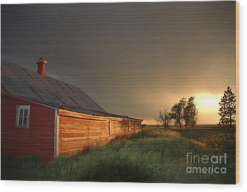 Red Barn At Sundown Wood Print by Jerry McElroy