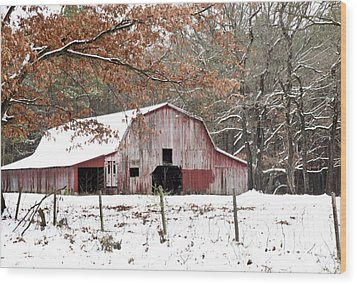 Red Barn In Snow Wood Print by Robert Camp
