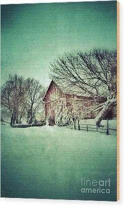 Red Barn In Winter Wood Print by Jill Battaglia