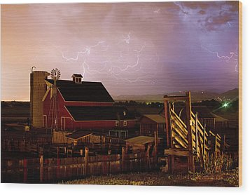 Red Barn On The Farm And Lightning Thunderstorm Wood Print by James BO  Insogna