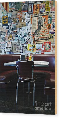 Red Booth Awaits In The Diner Wood Print by Nina Prommer