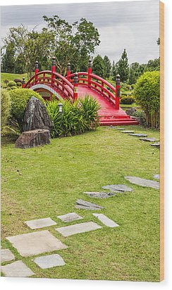 Red Bridge In A Japanese Garden Wood Print