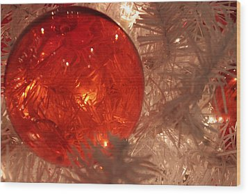Wood Print featuring the photograph Red Christmas Ornament by Lynn Sprowl