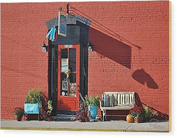 Wood Print featuring the photograph Red Door by Ludwig Keck