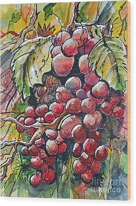 Red Grapes Wood Print by Terry Banderas