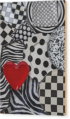 Red Heart Plate On Black And White Plates Wood Print by Garry Gay