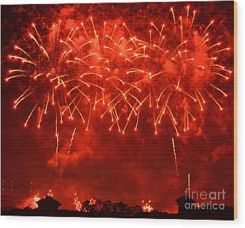 Red Hot Fireworks Wood Print by Darla Wood