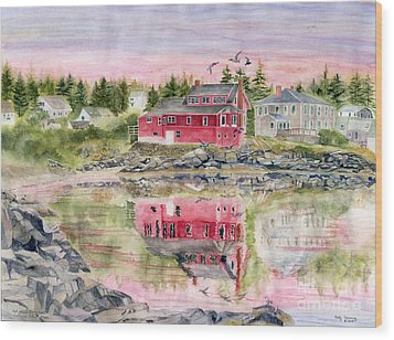 Red House Reflection Wood Print by Melly Terpening