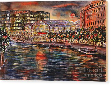 Red Moon Over Berlin II Wood Print by Alfred Motzer