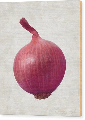 Red Onion  Wood Print by Danny Smythe