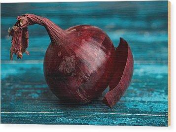 Red Onions Wood Print by Nailia Schwarz