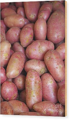 Red Potatoes Wood Print by Carlos Caetano