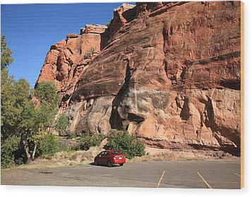 Red Rock And Red Car Wood Print by Frank Romeo