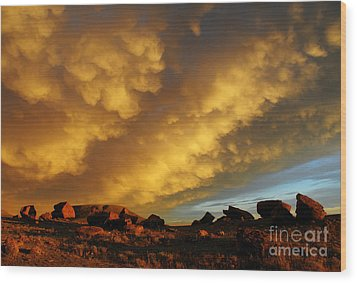 Red Rock Coulee Sunset Wood Print by Vivian Christopher