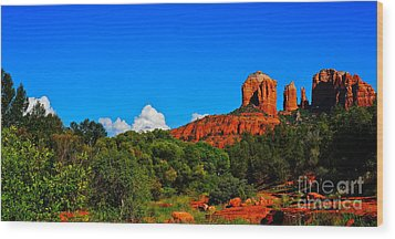 Red Rock Crossing Wood Print by Tracey McQuain