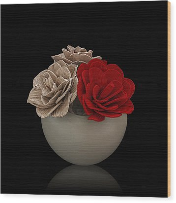 Red Rose Shimmer Wood Print by Rob Guiver