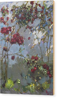 Red Roses Wood Print by Ylli Haruni
