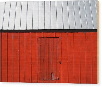 Red Shed Wood Print by Sheryl Burns