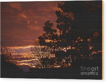 Red Sky At Night Wood Print by Cris Hayes