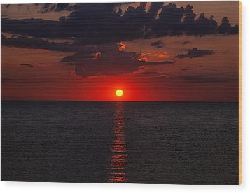 Red Sky At Sunrise 1 Wood Print