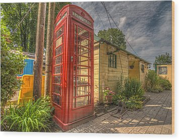 Red Telephone Box Wood Print