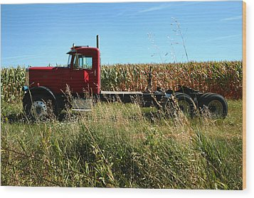 Red Truck In A Corn Field Wood Print