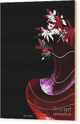 Red Vase Wood Print by Ann Calvo