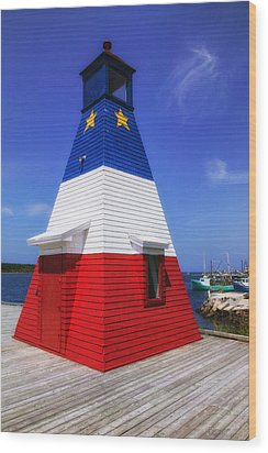 Red White And Blue Lighthouse Wood Print by Garry Gay
