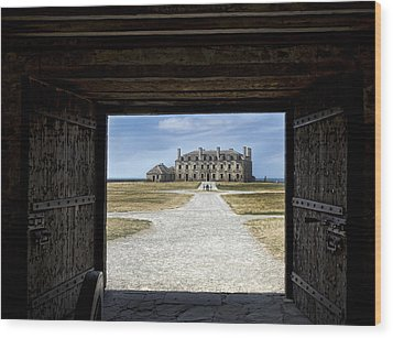 Redoubt Gates Wood Print by Peter Chilelli
