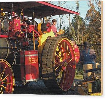 Reeves Steam Tractor Wood Print by Pete Trenholm