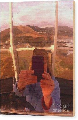 Reflect Back  Wood Print by Susan Garren