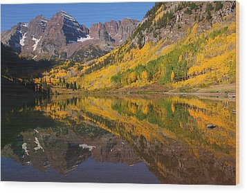 Reflection Of Maroon Bells During Autumn Wood Print by Jetson Nguyen
