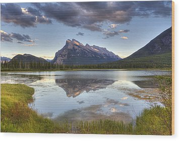 Reflections At Vermillion Lakes  Wood Print by Darlene Bushue