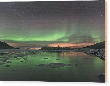 Reflections In The Sea Wood Print by Frank Olsen